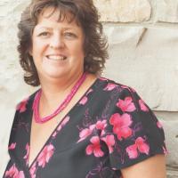 Lori Ann Pizur